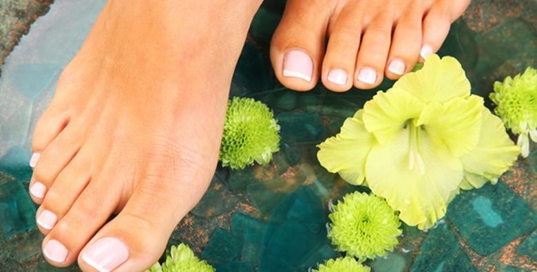 POPUST: 56% - Estetska pedikura i trajni lak - osigurajte lak korak uz njegujući tretman i ukrasite nokte najdražom bojom za samo 79 kn! (Frizerski salon Tajchy)