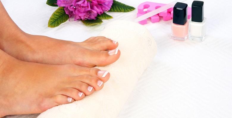POPUST: 51% - Medicinska pedikura s lakiranjem ili estetska pedikura s trajnim lakom - osigurajte  zdravlje i ljepotu svojih stopala već od 89 kn! (M beauty)