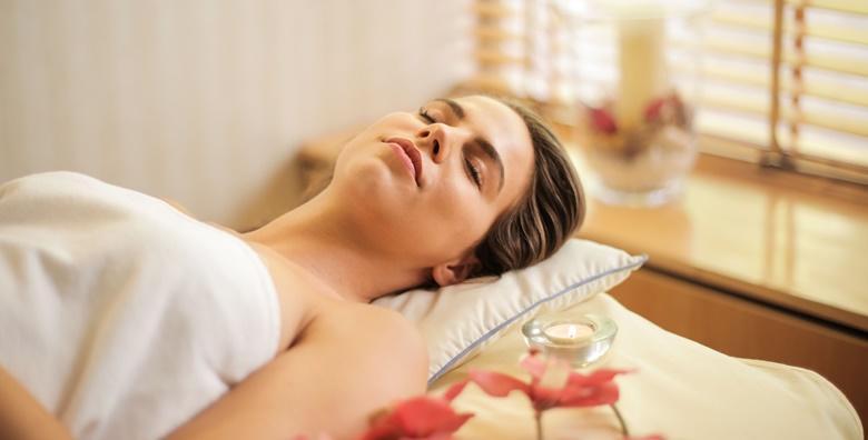 POPUST: 47% - Priuštite si trenutke duboke relaksacije uz stress relief aromaterapijsku masažu  cijelog tijela u trajanju 90 minuta za 149 kn! (Bluespot Massage Studio)