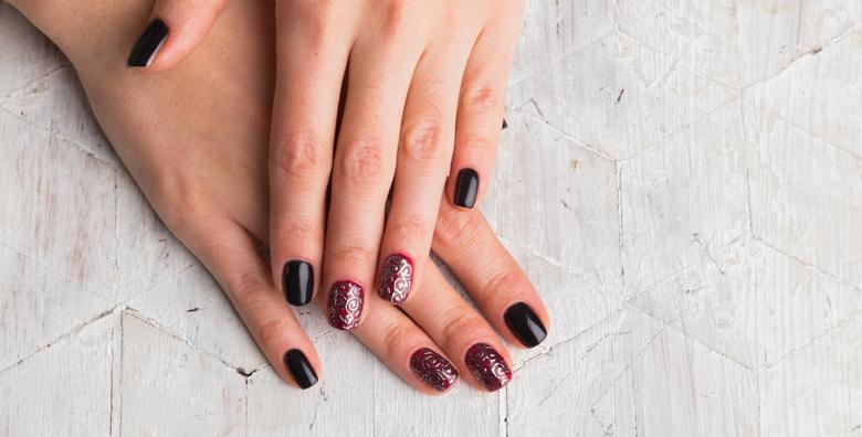 POPUST: 51% - Ruska manikura, trajni lak i parafin - osvježite izgled svojih noktiju u iLash studiju za 99 kn! (iLash studio)