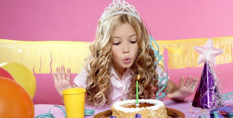 Dječji rođendan - 2 sata lude zabave za 20 djece uz karaoke, pjena party, 3D kućno kino i još mnoštvo raznih zanimljivih sadržaja u rođendaonici Pingo za 699 kn!