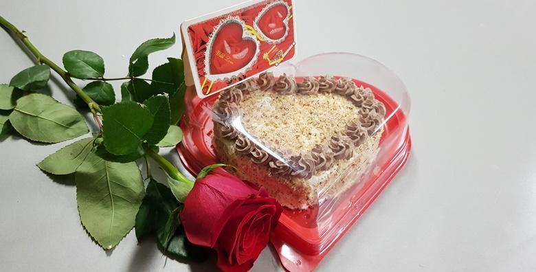 Torta za Valentinovo u obliku srca - iznenadite voljenu osobu finom slasticom s okusom nugata uz uključenu dostavu za 149 kn!