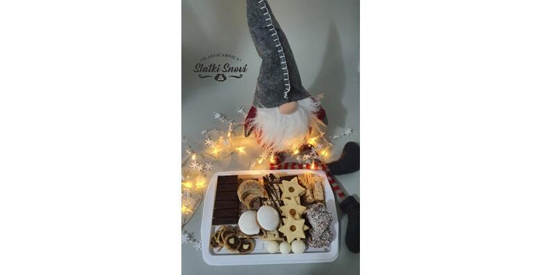 POPUST: 35% - Miješani kolači - 1 kg preukusnih slastica iz Slastičarnice Slatki snovi za samo 85 kn! (Slastičarnica Slatki snovi)