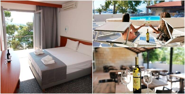POPUST: 41% - Ljetni odmor na Korčuli - 2 ili 7 noćenja s doručkom za 2 osobe u Hotelu Lumbarda 3* uz korištenje bazena i ležaljki, piće dobrodošlice i besplatan parking od 873 kn! (Split trip d.o.o. , Hotel Lumbarda 3*)