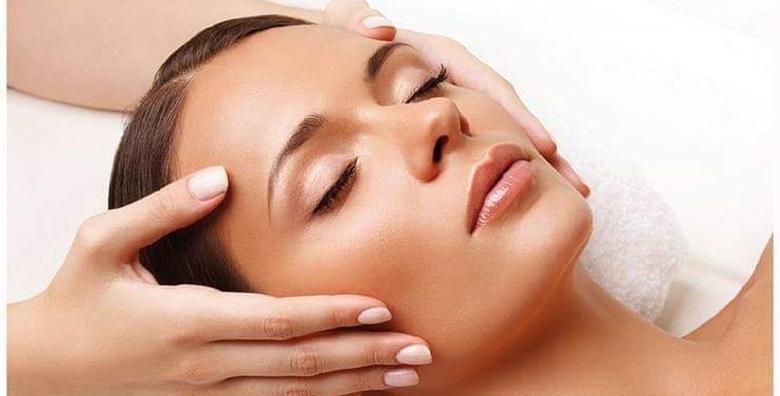 POPUST: 34% - Isprobajte tretman za njegu lica Kura s gotovo čistim morskim kolagenom koji pospješuje normalizaciju zaštitnog sloja kože za 199 kn! (Centre de beauté Michelle)
