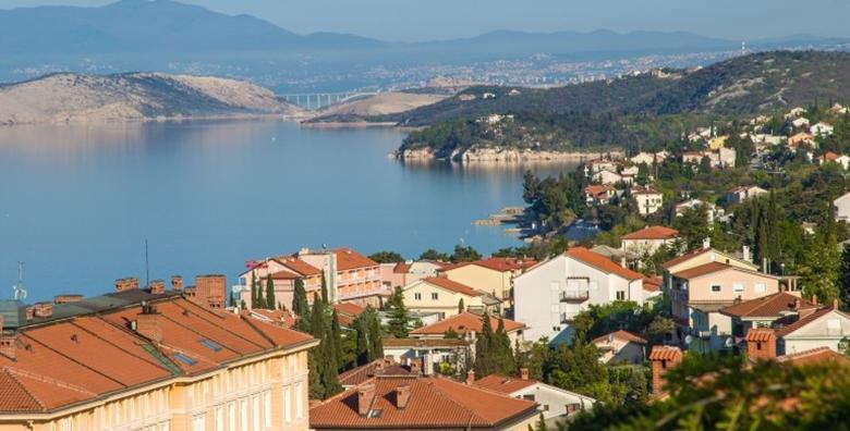 FIRST MINUTE Crikvenica - ljetni odmor u prekrasnom ambijentu uz 2, 5 ili 7 noćenja za dvoje s polupansionom u Hotelu Villa Aurora 3* od 787 kn!
