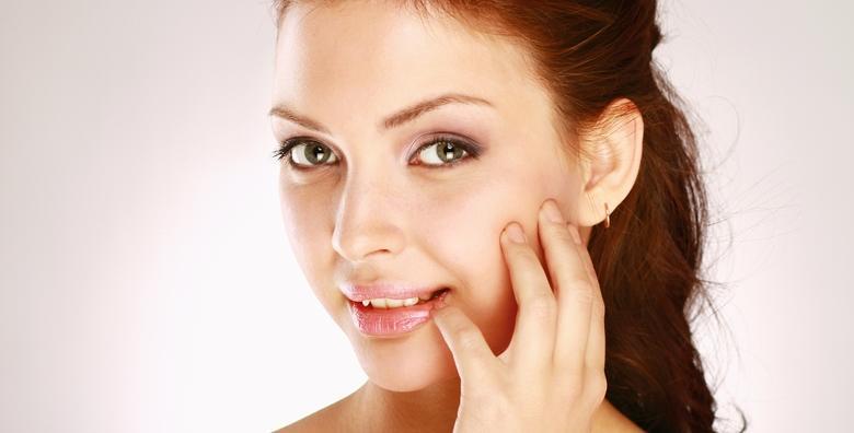 POPUST: 51% - Podarite svom licu osvježavajući izgled uz masku, piling i masažu  te tretman ampulom i ultrazvukom lica za 99 kn! (La Camilla Centar)