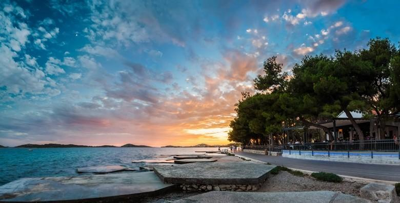 Ponuda dana: VODICE - provedite proljetni odmor u modernom Hotelu Villa Arausana & Antonina 4* uz 2 noćenja s buffet doručkom za 2 osobe za 1.149 kn! (Hotel Villa Arausana & Antonina 4*)