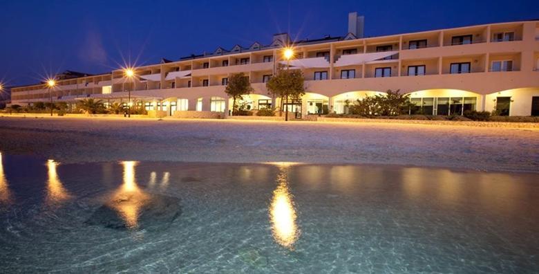 Pag - uskršnja oaza odmora u Hotelu Pagus 4*, 2 noćenja s polupansionom za 2 osobe i korištenjem saune na obali Jadranskog mora za 1.249 kn!