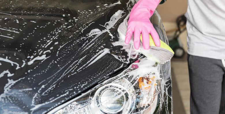 POPUST: 49% - Potpuna usluga za sjaj Vašeg metalnog ljubimca - vanjsko pranje, čišćenje laka glinom i zaštita voskom u Autopraonici Zagrepčanka za 279 kn! (Autopraonica Zagrepčanka)