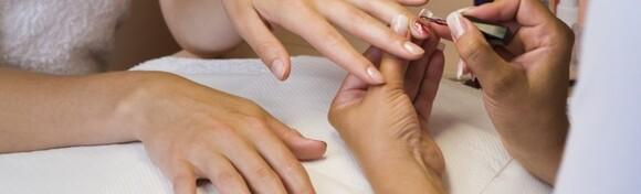 Trajni lak - nosite svoju najdražu boju na noktima i do 3 tjedna za samo 69 kn!
