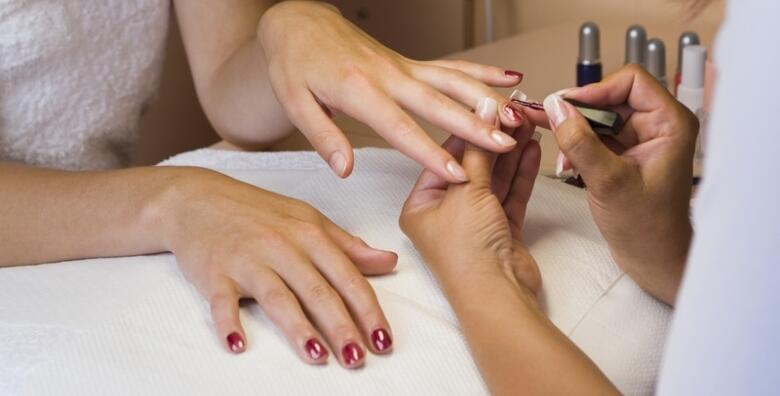 Trajni lak - besprijekorni nokti u KAOTY Threading & Make Up Studiju za samo 79 kn!