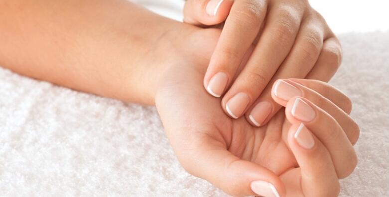 Zaštitte svoje suhe i hrapave ruke od štetnih vanjskih utjecaja uz mikrodermoabraziju i intenzivnu njegu ruku u Gargano estetskom centru za 195 kn!