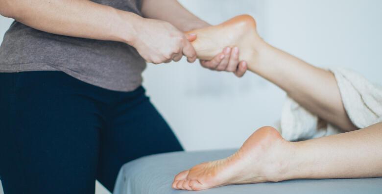 Medicinska pedikura, piling i masaža stopala u salonu Lavender za 120 kn!