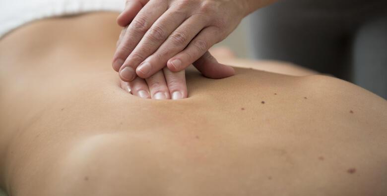 Klasična masaža leđa - opustite mišiće u salonu za masažu i njegu tijela VAL za samo 49 kn!