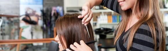Žensko šišanje i pranje kose u Frizerskom salonu Koketno već od 39 kn!