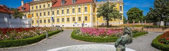 Dan pobjede u Vukovaru - posjetite grad Heroja uz 1 noćenje s polupansionom i polaskom iz Zagreba uz smještaj u Hotelu Lav 4* od 320 kn!