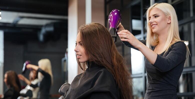 Priuštite svojoj kosi tretman kakav zaslužuje uz 3 fen frizure u novootvorenom frizerskom salonu Hairshow by Iva Vaca za samo 99 kn!