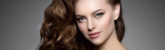 Kompletan tretman kose uz površinske pramenove, preljev, šišanje, frizuru i njegu kose za sve dužine u novootvorenom salonu Hairshow by Iva Vaca za 149 kn!