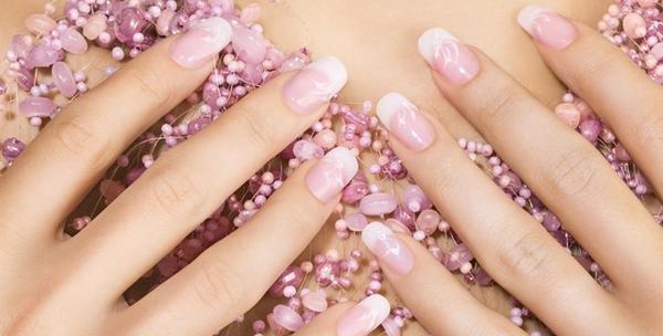 Geliranje i nail art svih noktiju na rukama