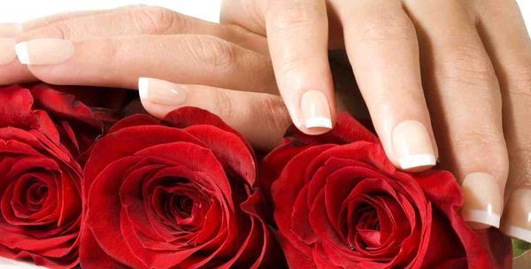 Ugradnja umjetnih noktiju, masaža ruku i nail art
