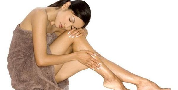 Depilacija cijelih nogu voskom