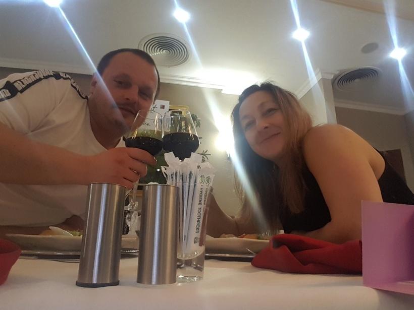 odlična večera u hotelu Phoeniks,dalje sliku iz vinskog podruma ne želim slati..he he